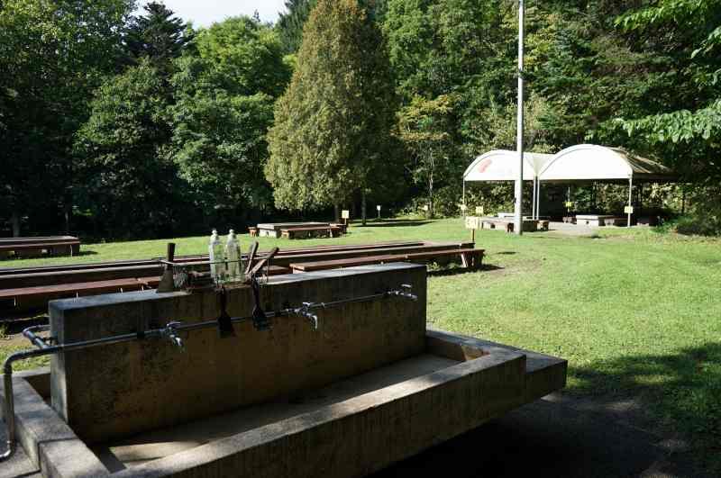 「栗山公園」の炊事場