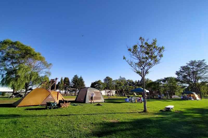 「北村中央公園ふれあい広場」のキャンプ場