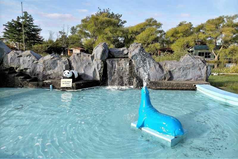 「三重湖公園キャンプ場」の水遊び場