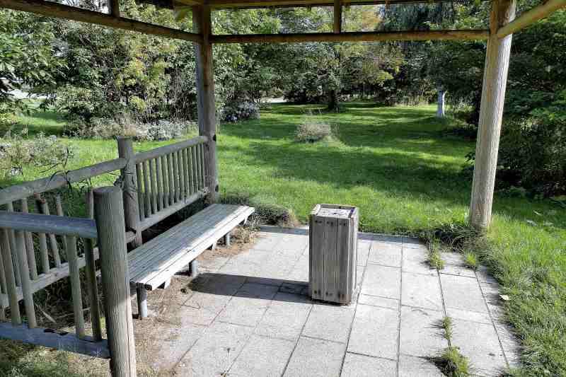 「三重湖公園キャンプ場」の喫煙所