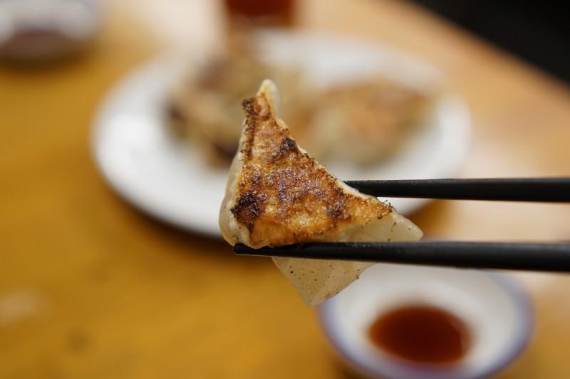 宝雲亭の焼き餃子