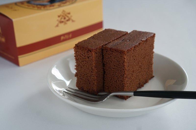 松翁軒のチョコラーテがテーブルに置かれている