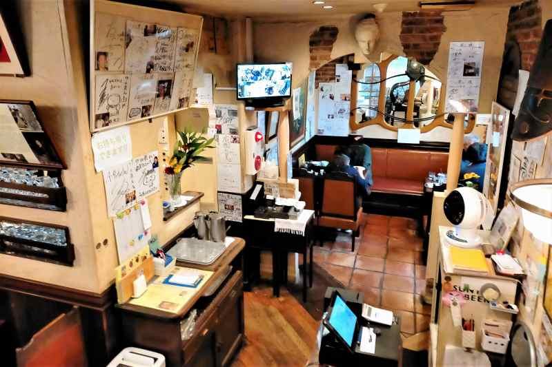 ツル茶んの店内の様子(1階)