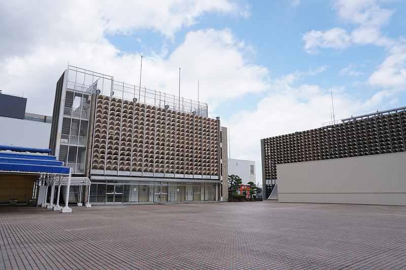 神社などがある札幌三越の屋上のようす