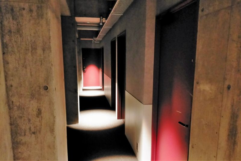 BUNSHODO HOTEL の廊下