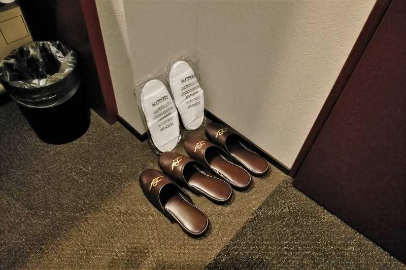 BUNSHODO HOTELのスリッパ
