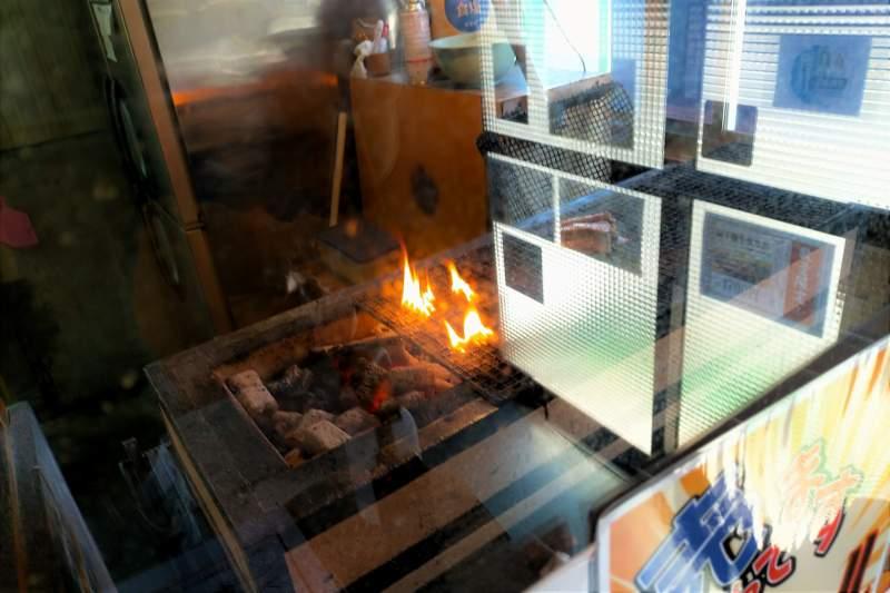 ともえまる食堂の焼き台