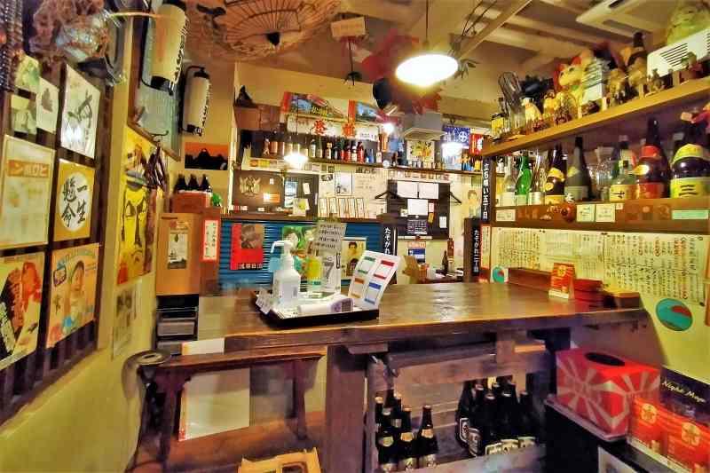 二代め鮨浪花の店内の雰囲気