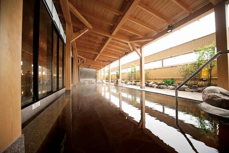 新千歳空港温泉の露天風呂