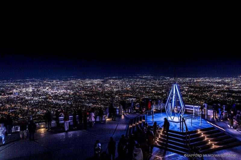 夜の藻岩山山頂展望台