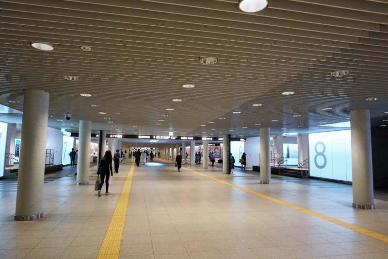 地下歩行空間「チ・カ・ホ」