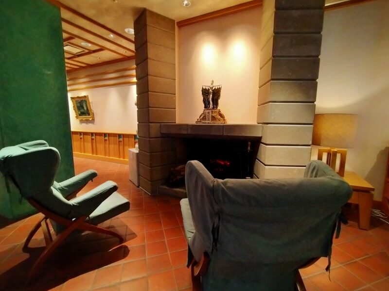 森のスパリゾート 北海道ホテル 暖炉