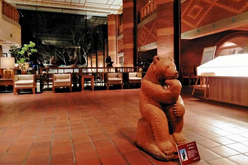 森のスパリゾート 北海道ホテル 木彫り熊