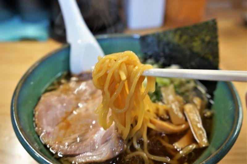 らーめん初代 加藤製麺所の中太多加水麺