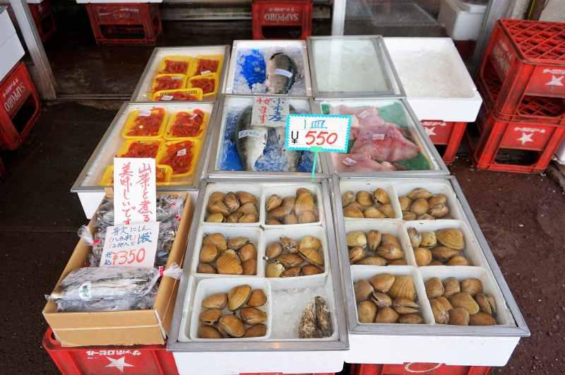 新岡商店の魚・貝