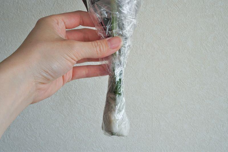 ブルーミーのブーケの茎断面の保水部分の様子