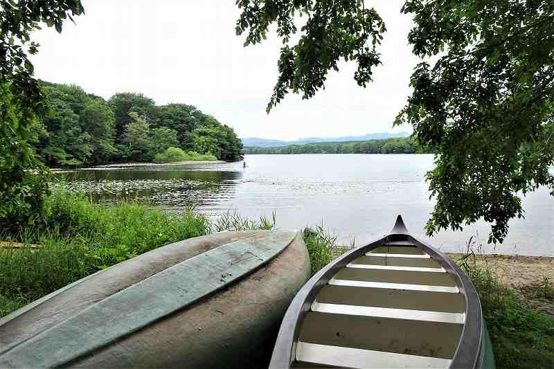東大沼キャンプ場の湖畔