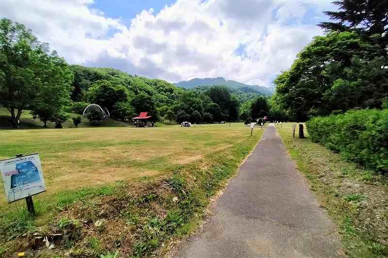 山部自然公園太陽の里キャンプ場のテントサイト