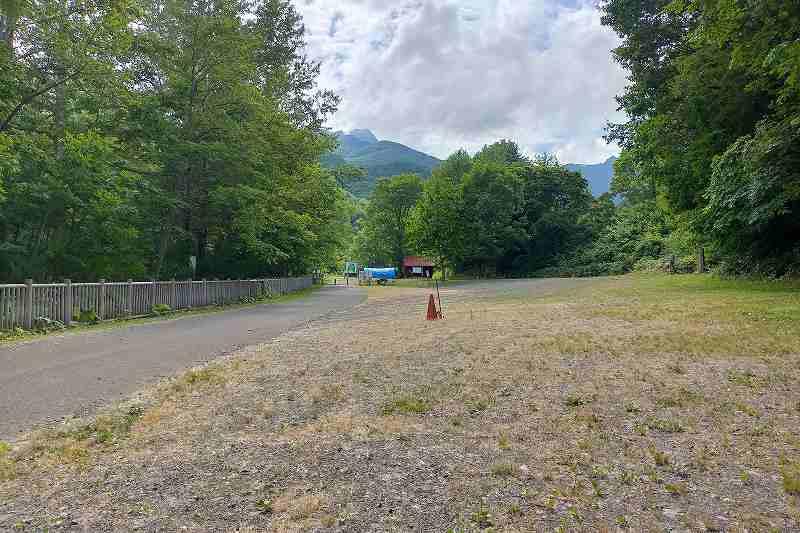 山部自然公園太陽の里キャンプ場の駐車場