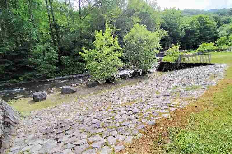 山部自然公園太陽の里の川