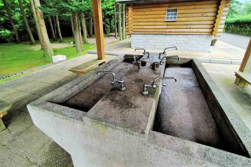 戸井ウォーターパークキャンプ場のフリーテントサイト炊事場