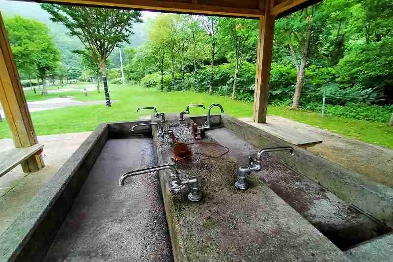 戸井ウォーターパークキャンプ場のオートサイトの炊事場