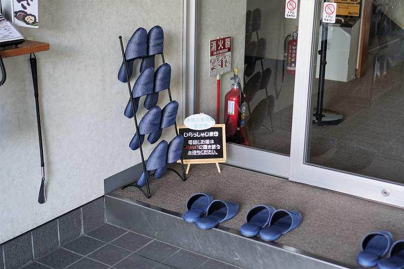 吉川食品の直売所の様子