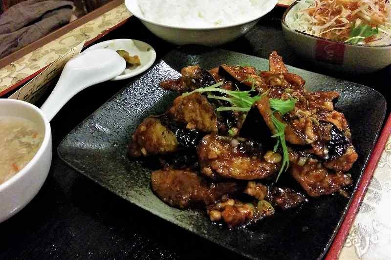 志峰飯店の麻婆茄子定食