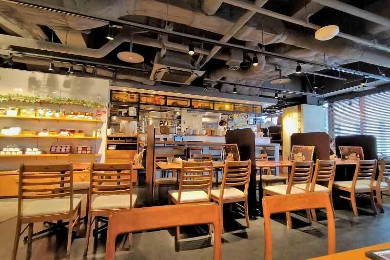 洋食バル函館五島軒の店内の様子